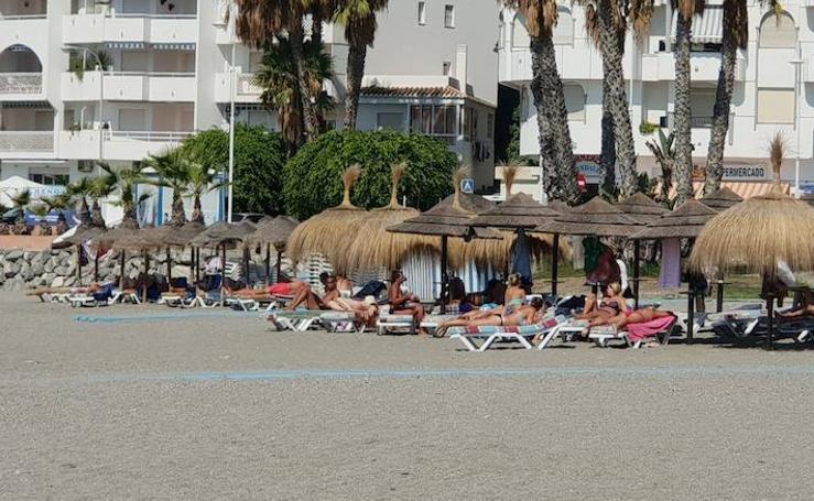 Granada despide el verano con un gran sábado de playa