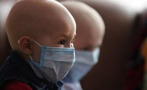 Alertan sobre la difusión de bulos relacionados con el cáncer en redes sociales y WhatsApp