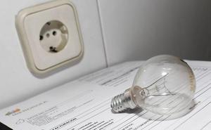 La OCU propone medidas para rebajar la factura de la luz
