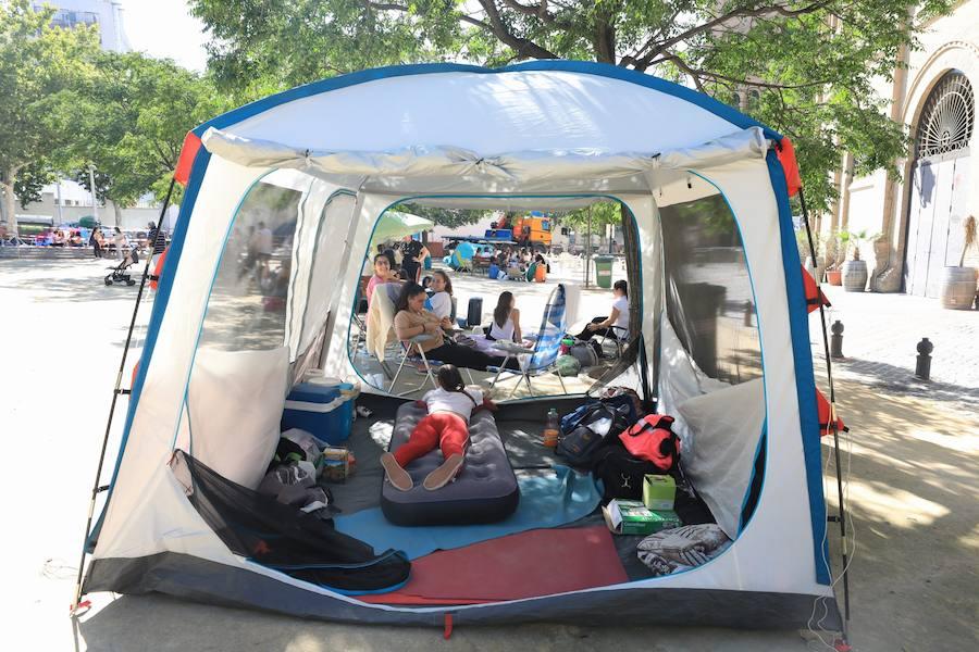 Largas colas y acampadas para ver a Pablo Alborán