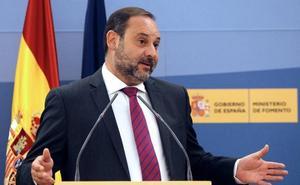 La Diputación de Granada espera que Fomento traiga un «cronograma» para la puesta en marcha del AVE y no «opacidad»