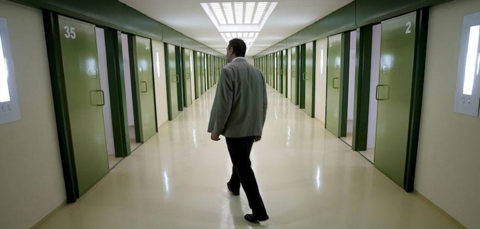 33 años encerrado en la cárcel