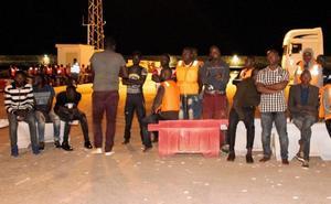Llegan al puerto de Motril los 151 inmigrantes rescatados de tres pateras en el mar de Alborán