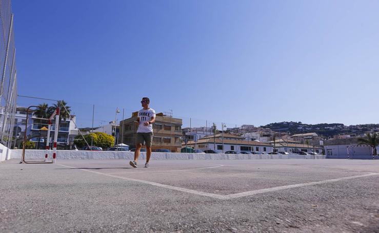 Costas quiere derribar la pista polideportiva de La Herradura porque está en dominio público
