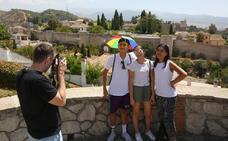 Crece el número de habitaciones y de turistas en Granada pero los hoteles no se llenan