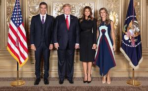 La foto de Pedro Sánchez y Begoña Gómez con los Trump