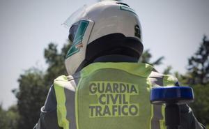 Detenido tras el hallazgo de dos kilos de marihuana en un control de tráfico en la A-44 en Granada