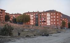 Ocho detenidos, 34 pisos cultivados con 'maría', coches de lujo y 80.000 euros en Pinos Puente