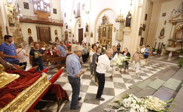 Ofrenda floral en el Albaicín por las fiestas de San Miguel