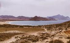 Las visitas a las playas de acceso regulado de Cabo de Gata crecen un 1,3% este año