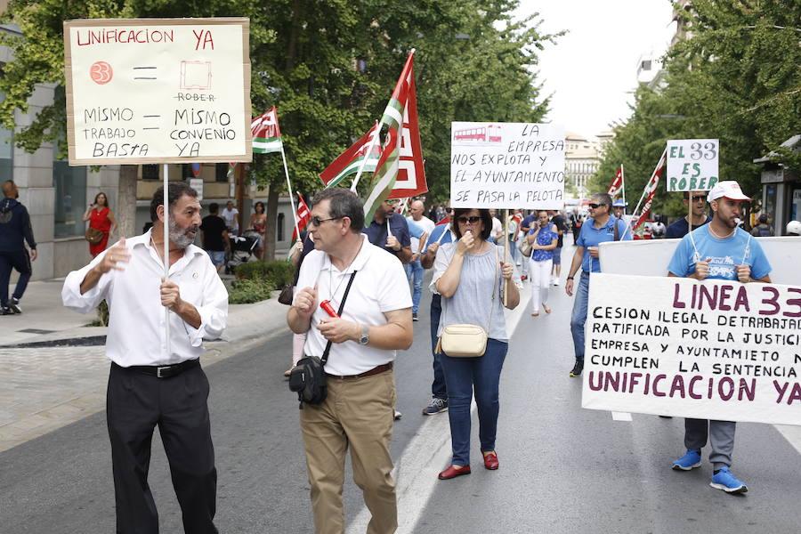 Nueva manifestación de trabajadores de la línea 33 por el centro de Granada