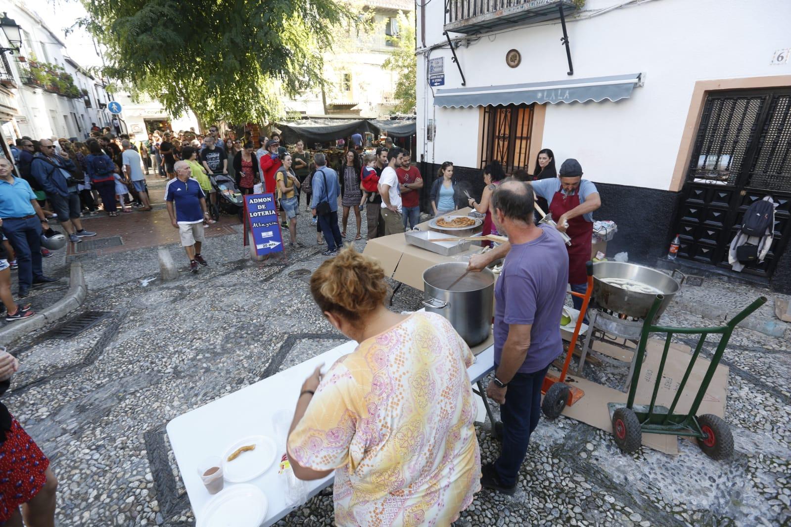 Chocolatada en el Albacín para seguir con las fiestas en el barrio