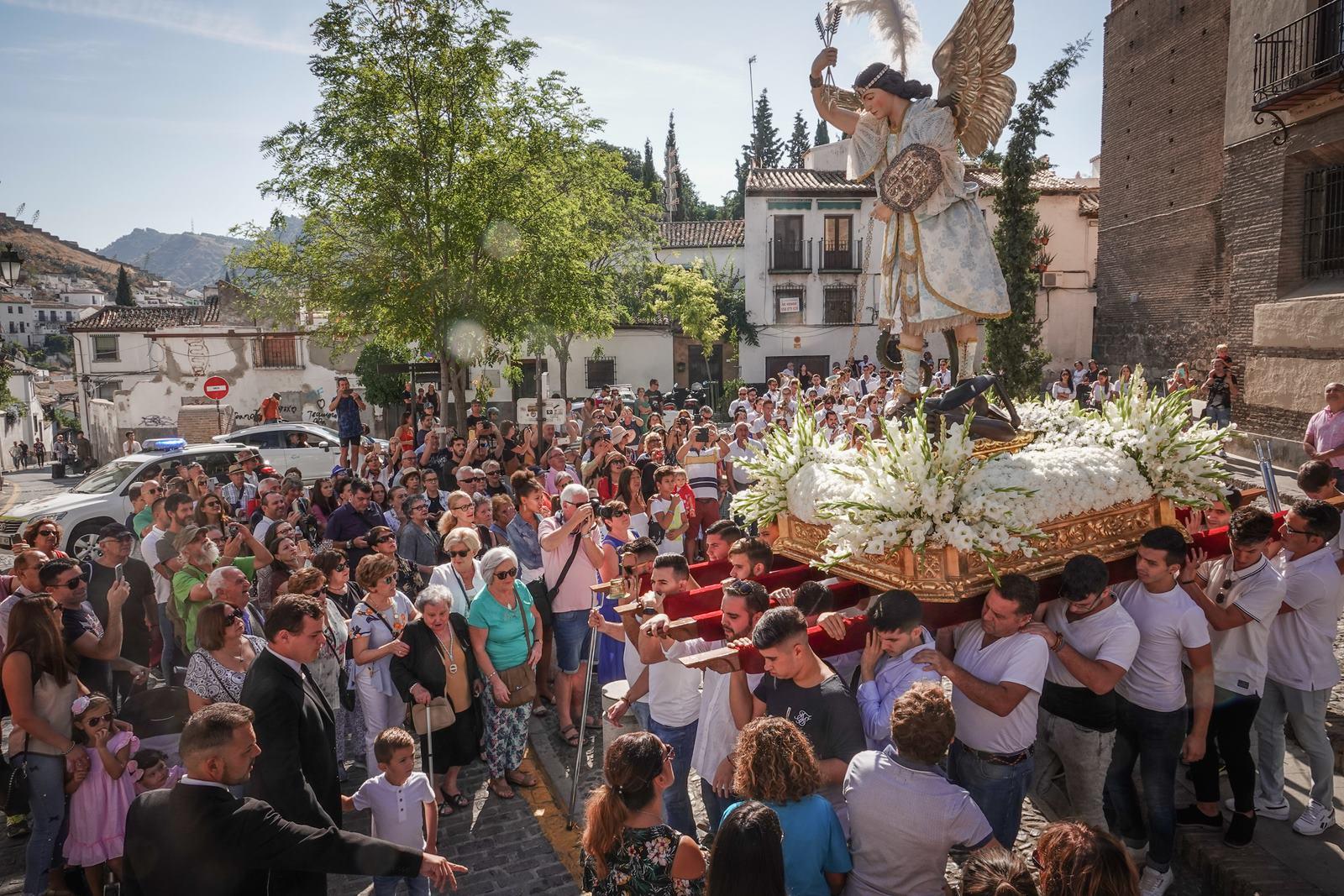 Procesión de San Miguel por el Albaicín