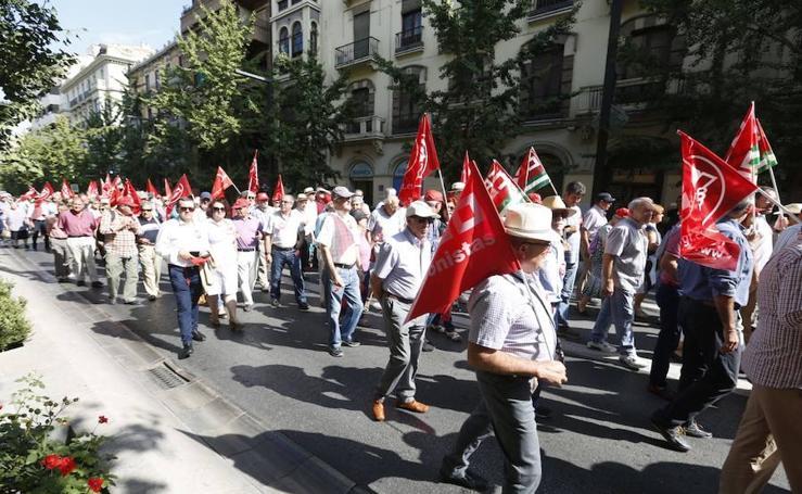 Los pensionistas de Granada salen a la calle para luchar por sus derechos