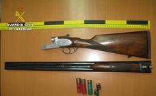 Investigan a tres miembros de una familia por robar una escopeta del interior de un vehículo en Almuñécar