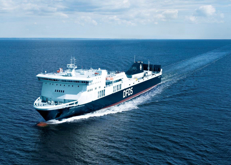 Un ferry con 355 personas a bordo se incendia en el mar Báltico