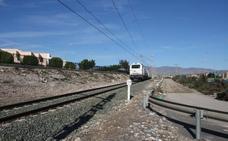 Las obras de El Puche alargarán media hora más los viajes en tren