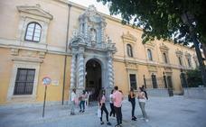 La Facultad de Derecho se libra de los andamios tras más de cuatro años de obras