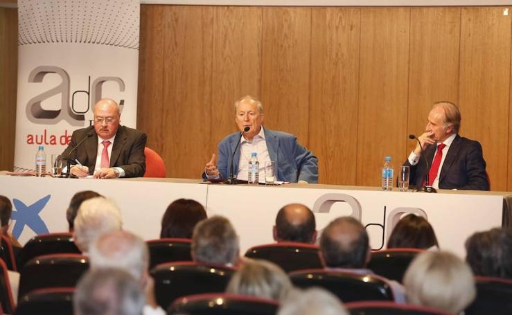 García de Cortázar emociona al público con su reivindicación de lo español