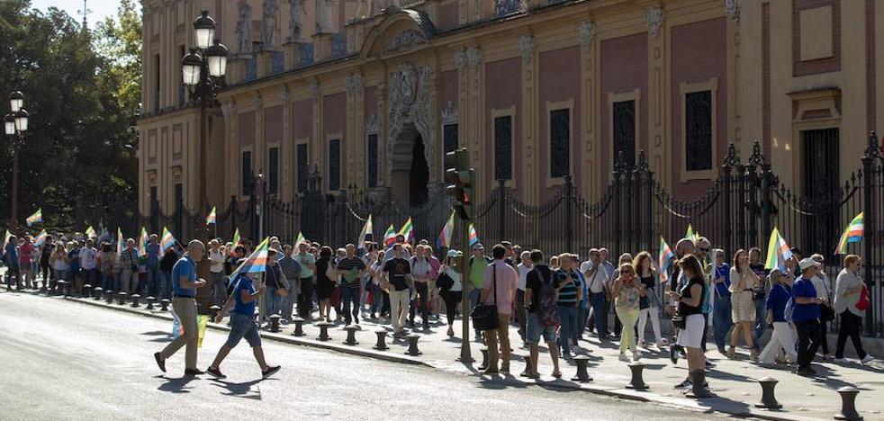 Cientos de personas claman en Sevilla por «reflotar» a Linares