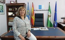 Aurora Suárez, alcaldesa de Jun, la nueva sonrisa del pueblo