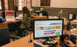 Convocadas las bases de las oposiciones de la UGR a auxiliares administrativos e informáticos: requisitos y plazos