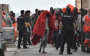 Cs urge al Gobierno «más medios» para afrontar «la peor crisis migratoria» por la llegada de pateras