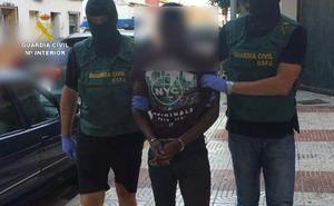 Detenido en el aeropuerto de Madrid por la muerte violenta de la mujer hallada en un vertedero de Gádor