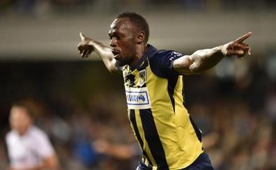 Bolt debuta como titular y hace un doblete