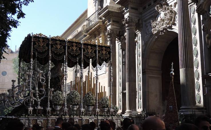 La Esperanza espera en la Catedral ser coronada