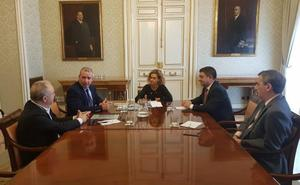 Presentación de la asociación esMontañas a la ministra de Política Territorial