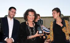 Claudia Cardinale recibe el 'Tabernas de cine'