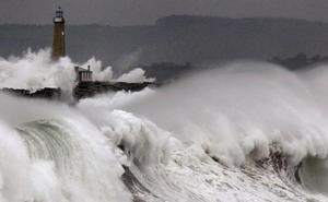 Aviso de la Aemet: el huracán Leslie entrará en España en las próximas horas
