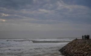 Aviso amarillo en Andalucía por tormentas y fuertes vientos ligados al huracán 'Leslie'