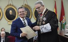 El Colegio de Abogados entrega los Botones de Oro y Plata a los letrados con 50 y 25 años de profesión
