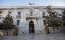 El Ayuntamiento de Granada oferta a colectivos vulnerables 300 talleres con 6.055 plazas para «garantizar la convivencia»