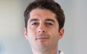 Un médico de Granada recibe en Viena el premio al Joven Oftalmólogo del Año