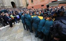 Así ha sido el funeral del guardia civil asesinado en Granada: «Tu familia nunca estará sola»