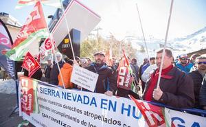 Los trabajadores de Cetursa esperan «garantías» de la Consejería de Hacienda para desconvocar la huelga