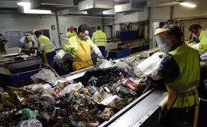 La Diputación de Granada devolverá 5,8 millones que cobró de forma indebida por tratar la basura de 132 municipios