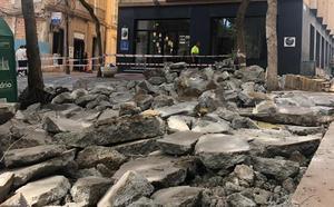 La plaza del Carmen queda cortada al tráfico por las obras en Antonio Vico