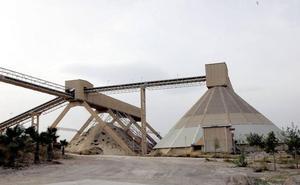 La alcaldesa de Gádor convoca un pleno extraordinario para abordar el cierre de la planta de Cemex