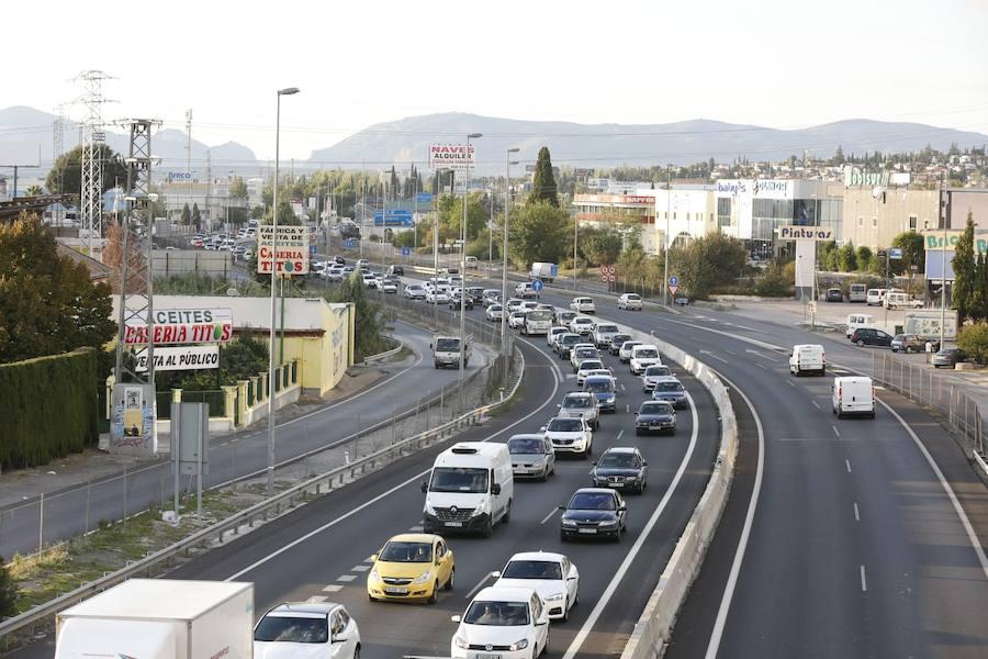 Accidente entre varios vehículos en la Circunvalación de Granada