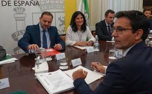 El alcalde de Granada indica que Renfe estudia «todas las vías» para la reconexión ferroviaria con Sevilla