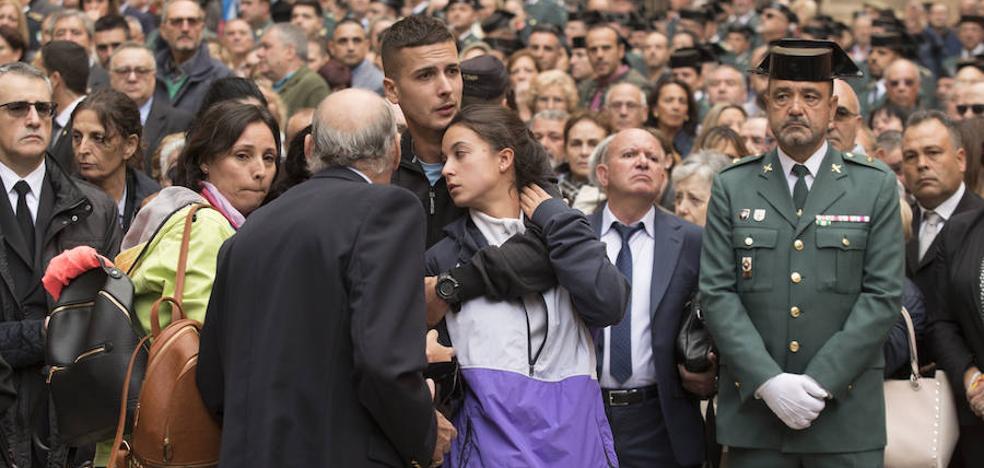 La hija del guardia civil fallecido: «Me han arrebatado a mi pedazo de padre»