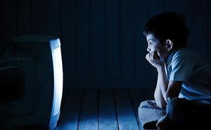 Más de 1,2 millones de niños ven la TV entre las 22 horas y las 00 y más de 350.000 lo hacen tras la medianoche
