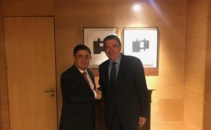 Reyes aborda en una reunión con el ministro Planas las negociaciones de la PAC post 2020