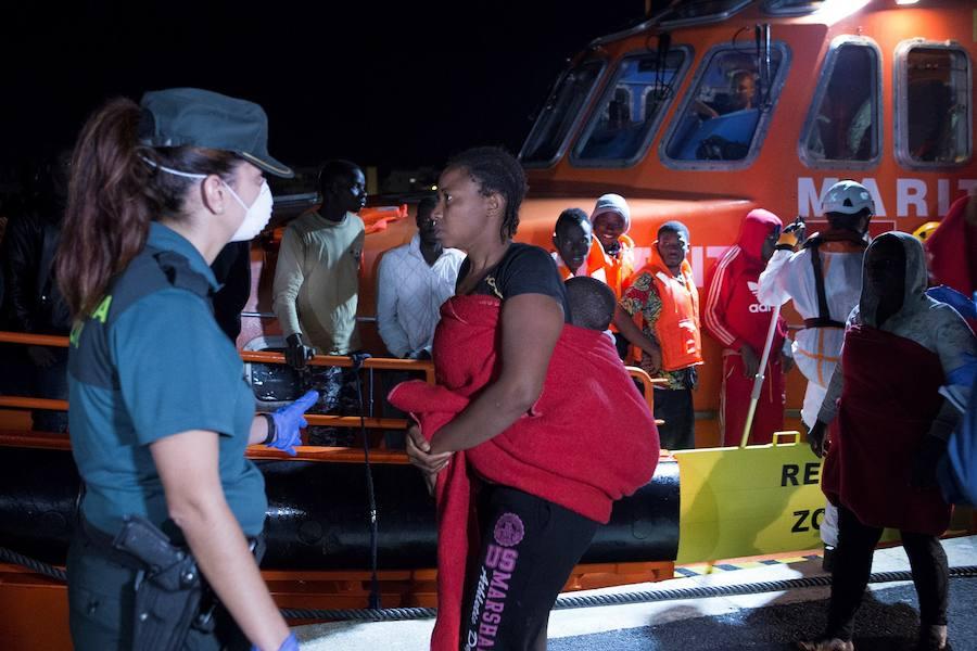 Salvamento rescata a 206 personas de cuatro pateras
