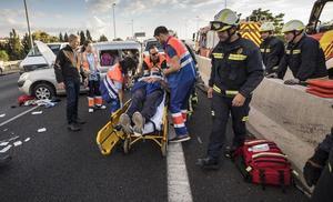 Continúa en estado muy grave una de las heridas en el accidente de la Circunvalación de Granada