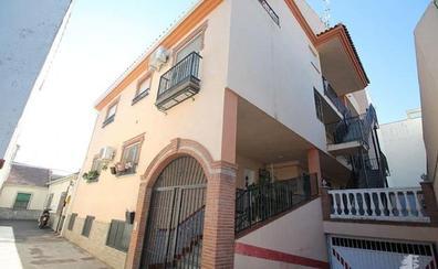 Bankia pone a la venta 135 casas y pisos por menos de 75.000 euros en Granada